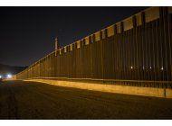 los republicanos redefinen el muro fronterizo de trump