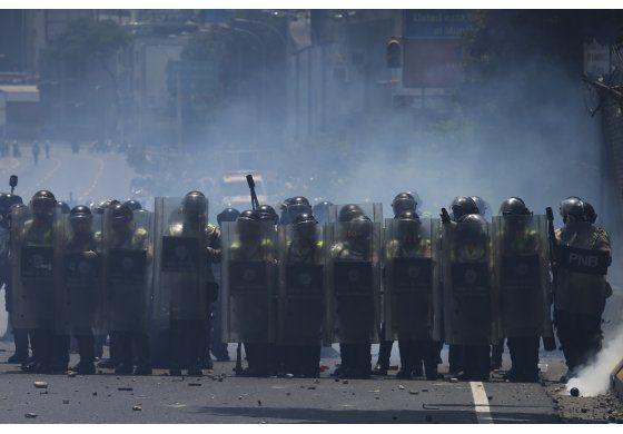 Venezuela activará el proceso para salir de la OEA