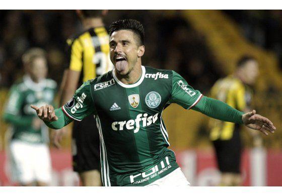 Palmeiras remonta y derrota a domicilio a Peñarol