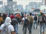 venezolanos indignados ante los nuevos asesinatos de opositores en manos de la policia y la guardia nacional