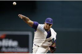 walker poncha a 11, diamondbacks derrotan a padres 6-2
