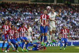 sevilla y atletico arrecian lucha por 3er puesto en espana