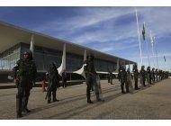 incendios y bloqueos en huelga general de brasil