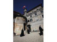 caballeros de malta eligen lider provisional durante reforma