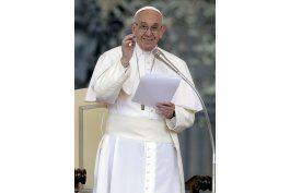 papa llama a catolicos a ser activos, ayudar a otros