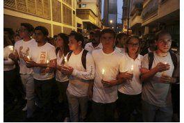 venezuela: maduro sube salario minimo en medio de protestas