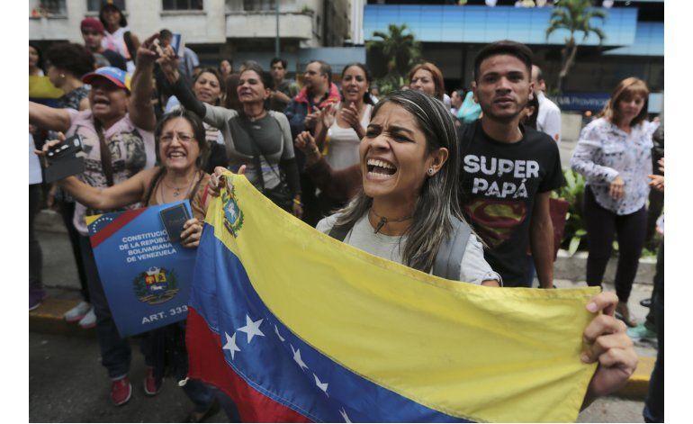 Denuncian la detención de 65 militares en Venezuela