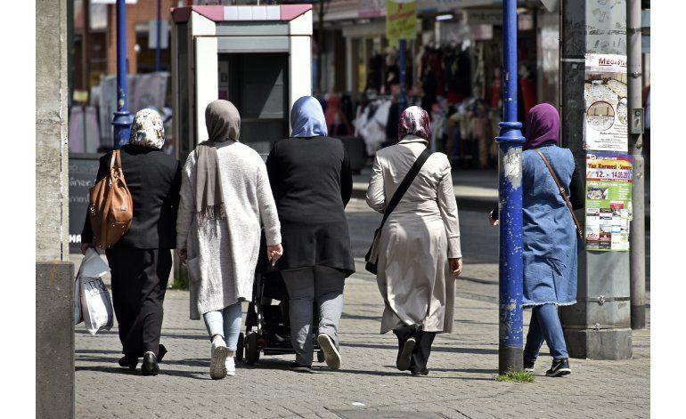 Refugiados, tema clave en elecciones del domingo en Alemania