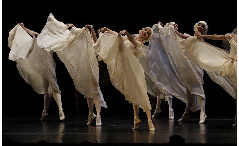Julio Bocca devuelve esplendor a Ballet Nacional de Uruguay