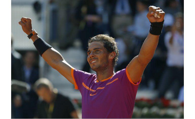 Nadal vence a Djokovic en semis en Madrid; Halep se corona