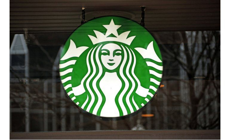 Starbucks ofrece bebidas gratis debido a falla en su sistema