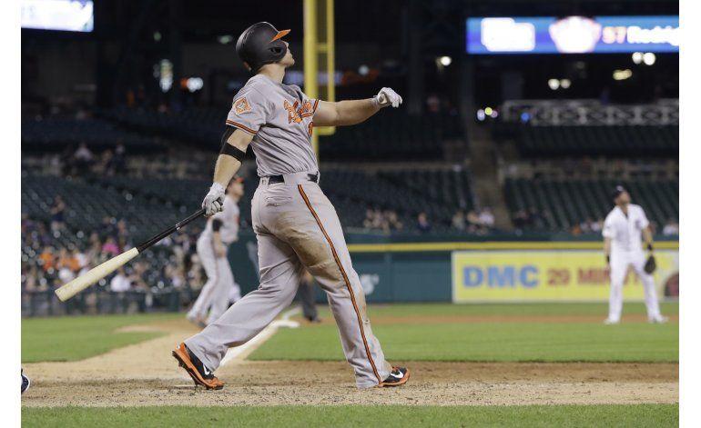Davis pega jonrones en 12mo y 13ro, Orioles ganan a Tigers