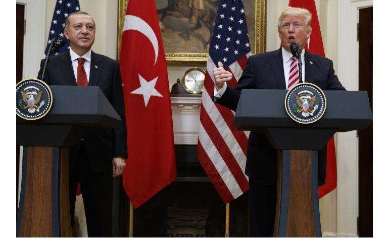 EEUU critica violencia afuera de embajada turca