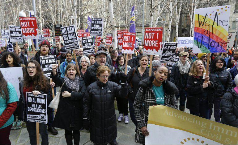 EEUU: Bloquean orden federal contra activistas pro migrantes