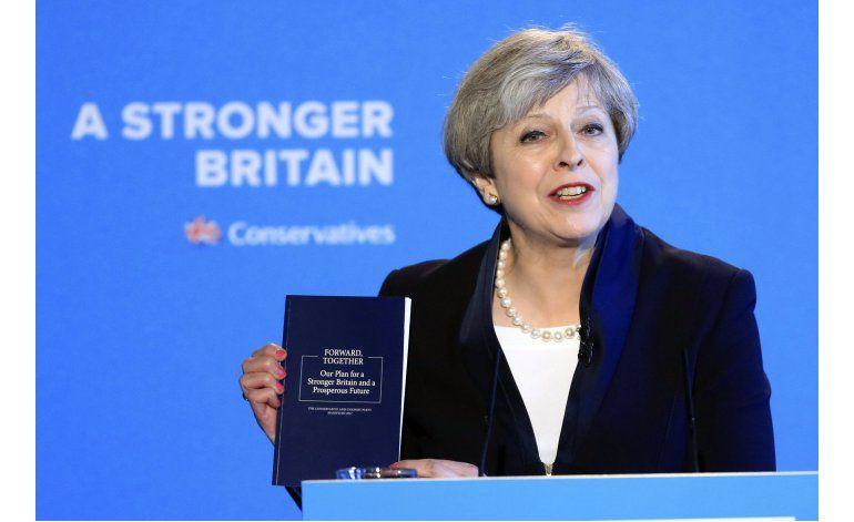 May reitera promesa de reducir inmigración en Gran Bretaña