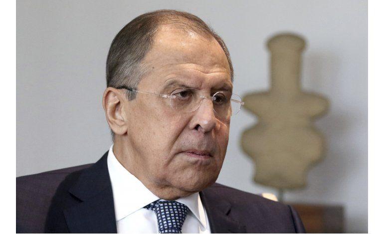 Canciller ruso se mofa de la prensa estadounidense