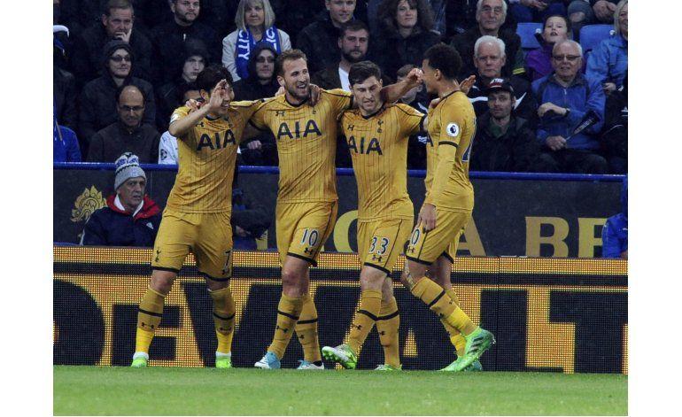 Kane anota 4 y Tottenham apabulla 6-1 a Leicester