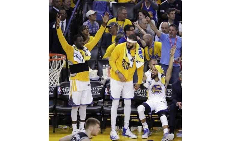 Las palizas se vuelven habituales en playoffs de la NBA