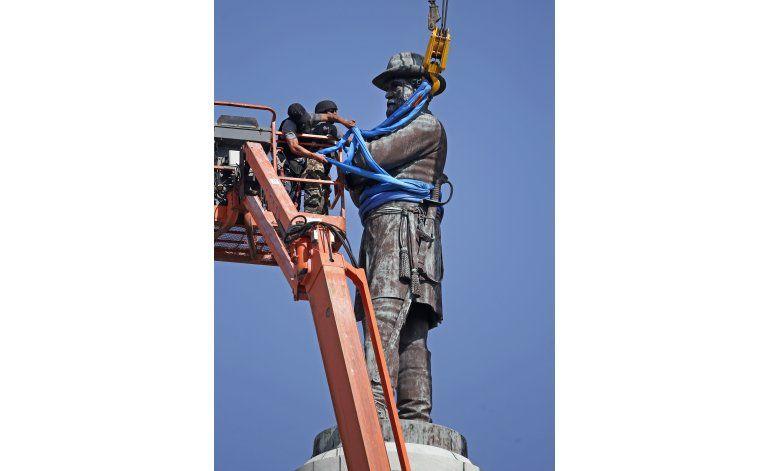 Retiran el último monumento confederado en Nueva Orleans