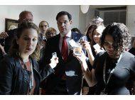 prometen investigar despido de director de fbi