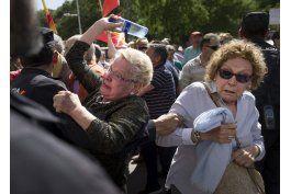 rajoy acusa de chantaje a presidente de cataluna