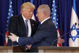 vinculos con rusia persiguen a trump en su visita a israel
