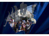 venezolanos buscan asilo en una espana reacia a acogerlos