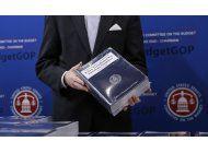presupuesto de trump: fuertes cortes a programas para pobres