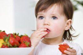 por que los ninos menores de un ano no deberian beber jugo de fruta, segun pediatras estadounidenses