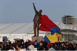 venezolanos desahogan descontento con imagenes de chavez