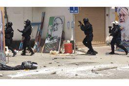 cinco muertos en redada en poblado de clerigo en bahrein