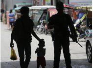 extremistas toman ciudad filipina, decapitan jefe de policia