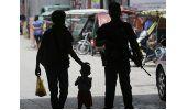 Hombres armados toman 14 rehenes en una ciudad de Filipinas