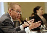 equipo de trump defiende recortes a programas sociales