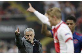 man united vence al ajax y gana la liga europa