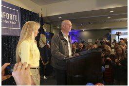 montana: candidato se disculpa con reportero tras ganar voto