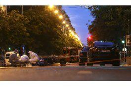 ex primer ministro griego se recupera de ataque con bomba