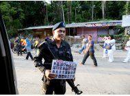 el ejercito de filipinas ataca a insurgentes en marawi