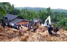 sri lanka confirma 100 muertos en deslaves, 99 desaparecidos
