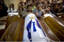 suben a 29 los muertos en ataque contra coptos egipcios