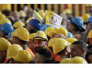 papa denuncia a especuladores en un encuentro con obreros