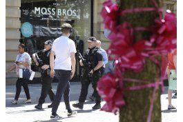 policia muestra foto de perpetrador del ataque en manchester