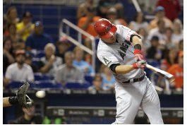 angelinos caen ante marlins y pierden a trout