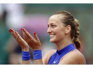 francia: kvitova regresa con victoria tras agresion