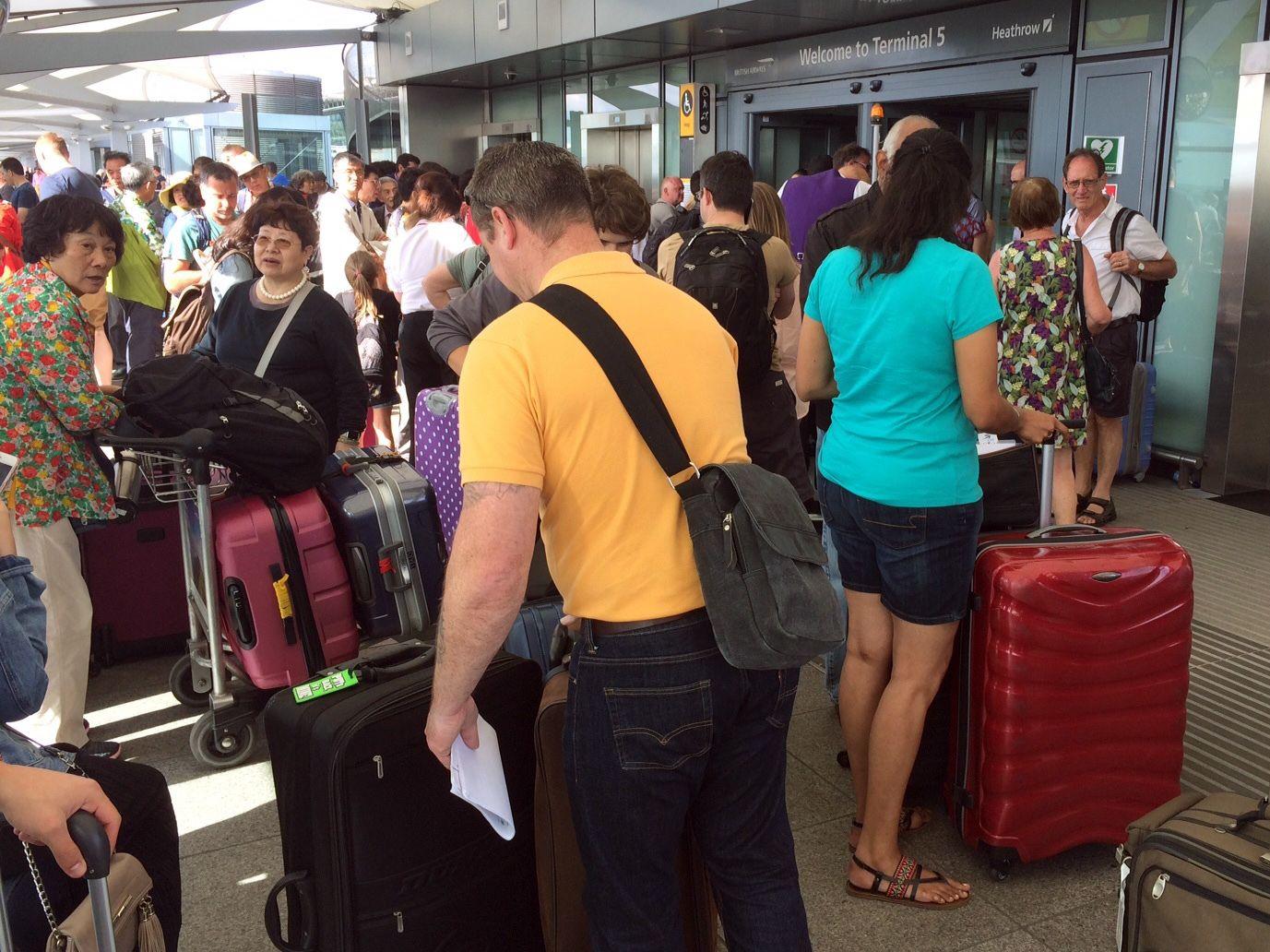 British Airways enfrenta tercer día de cancelaciones