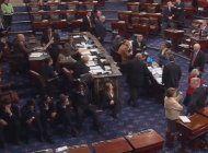 senado de ee.uu aprueba proseguir con la discusion sobre el plan de salud republicano