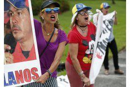 exiliados venezolanos acosan a funcionarios en el extranjero