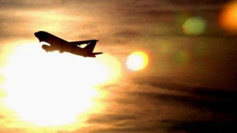 Demasiado caluroso para volar: por qué las altas temperaturas obligaron a cancelar vuelos en Phoenix, Estados Unidos
