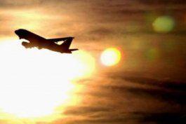 demasiado caluroso para volar: por que las altas temperaturas obligaron a cancelar vuelos en phoenix, estados unidos
