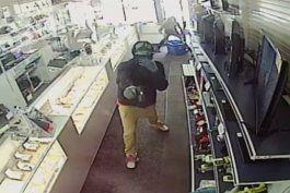 revelan las identidades de los presuntos ladrones que robaron a mano armada una casa de empeno en hialeah